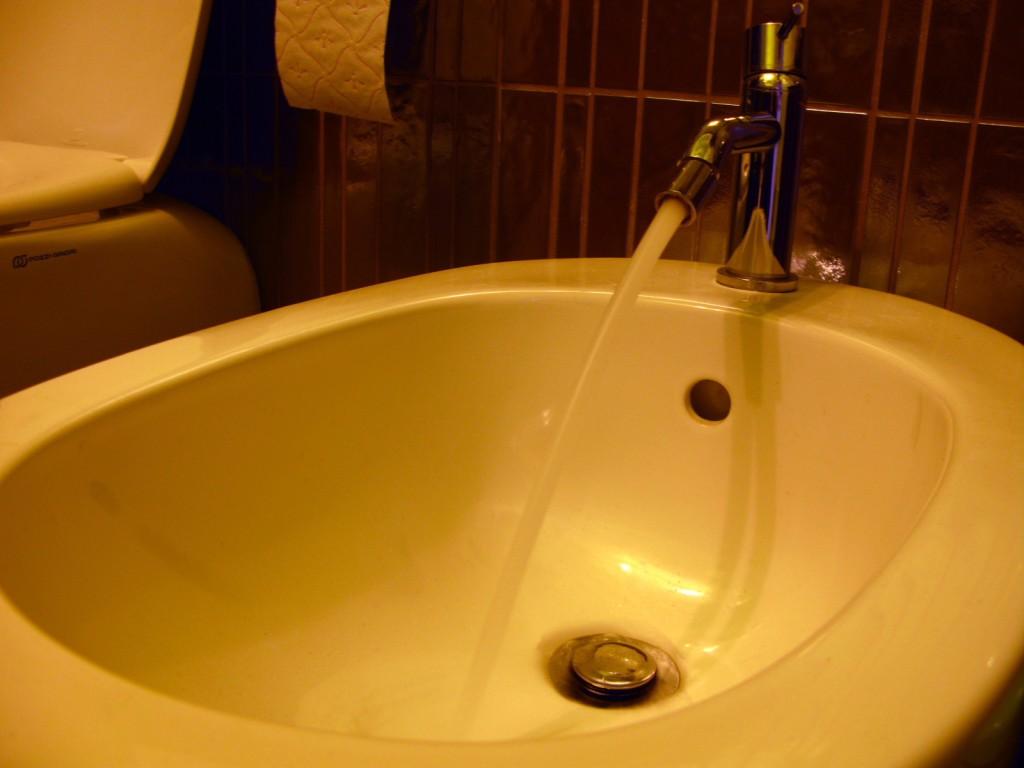 Italian Bidet with water flow