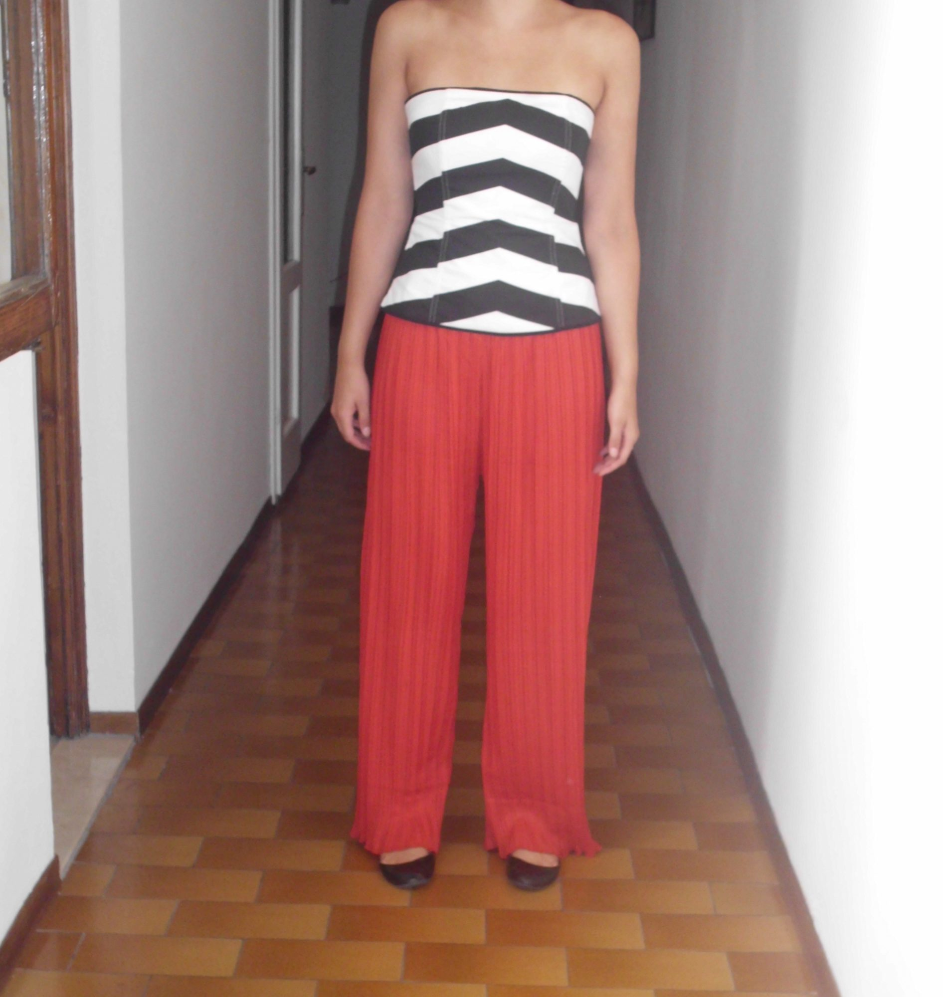 Dress like an Italin in Wide Leg Pants