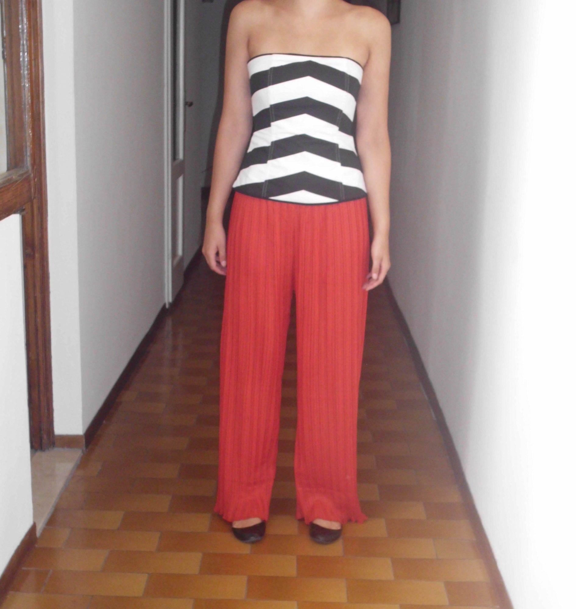 Dress like an Italin in Wide Leg Pants