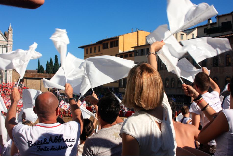 White team calcio storico supporters