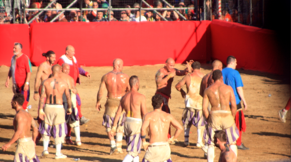players at calcio storico