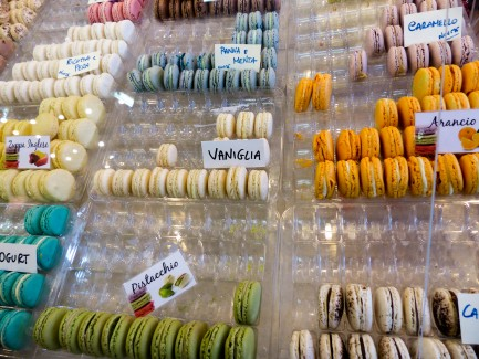 Italian colorful cookies