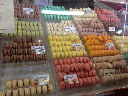 Macarons multi-coloured