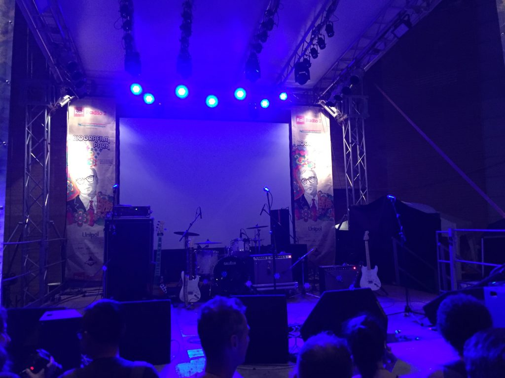 Waiting for Bombino front row parco del cavaticcio