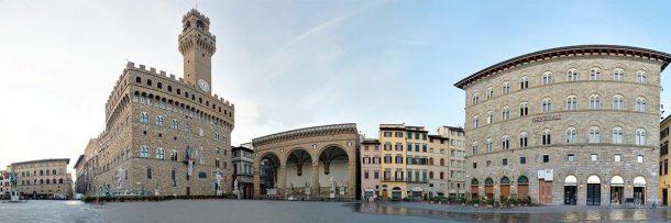 Panoramic view of Piazza della Signoria