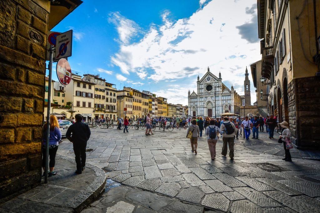 Santa Croce seen from via de benci