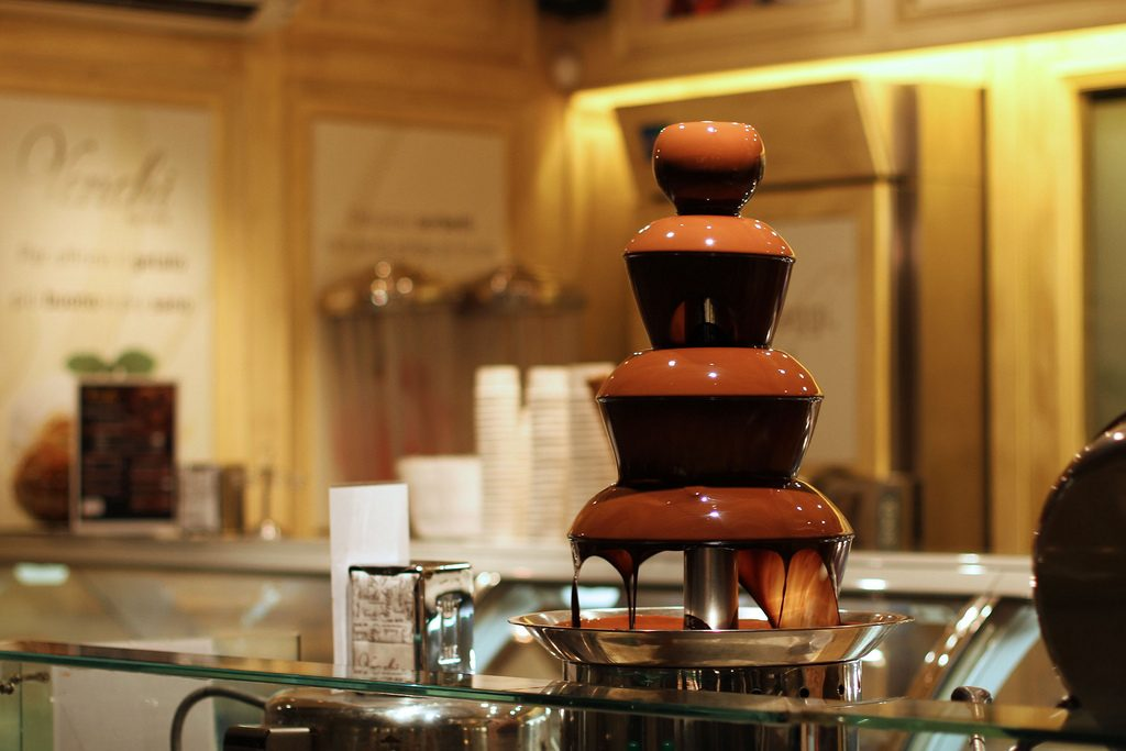Venchi cioccolato chocolate fountain