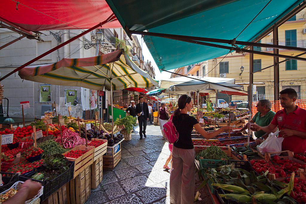 italians sicily vucciria market
