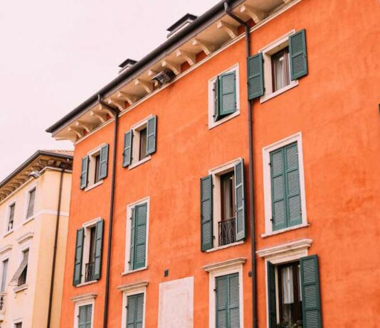 how long does it take to build house italy
