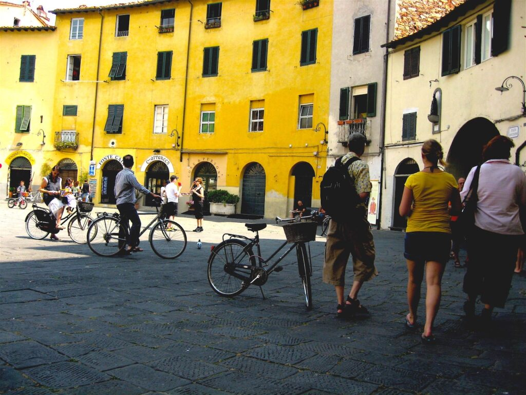 bike tour in lucca italy