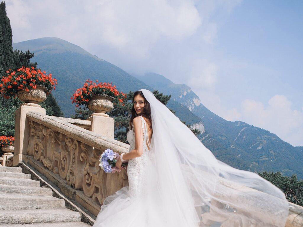 bridal gawn in Amalfi destination wedding